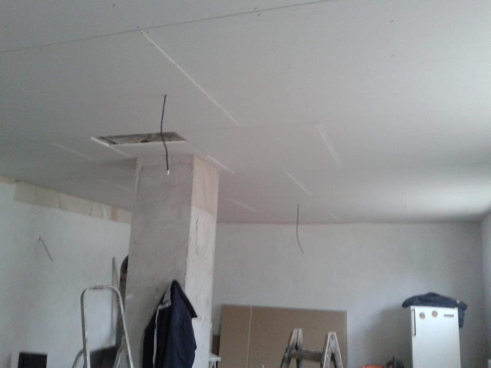 Domeček rekonstruujeme pro rodiče - už děláme stropy