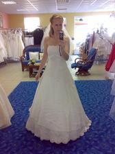 Pozor změna!!! Dnes jsem si vybrala bílé šaty :-)