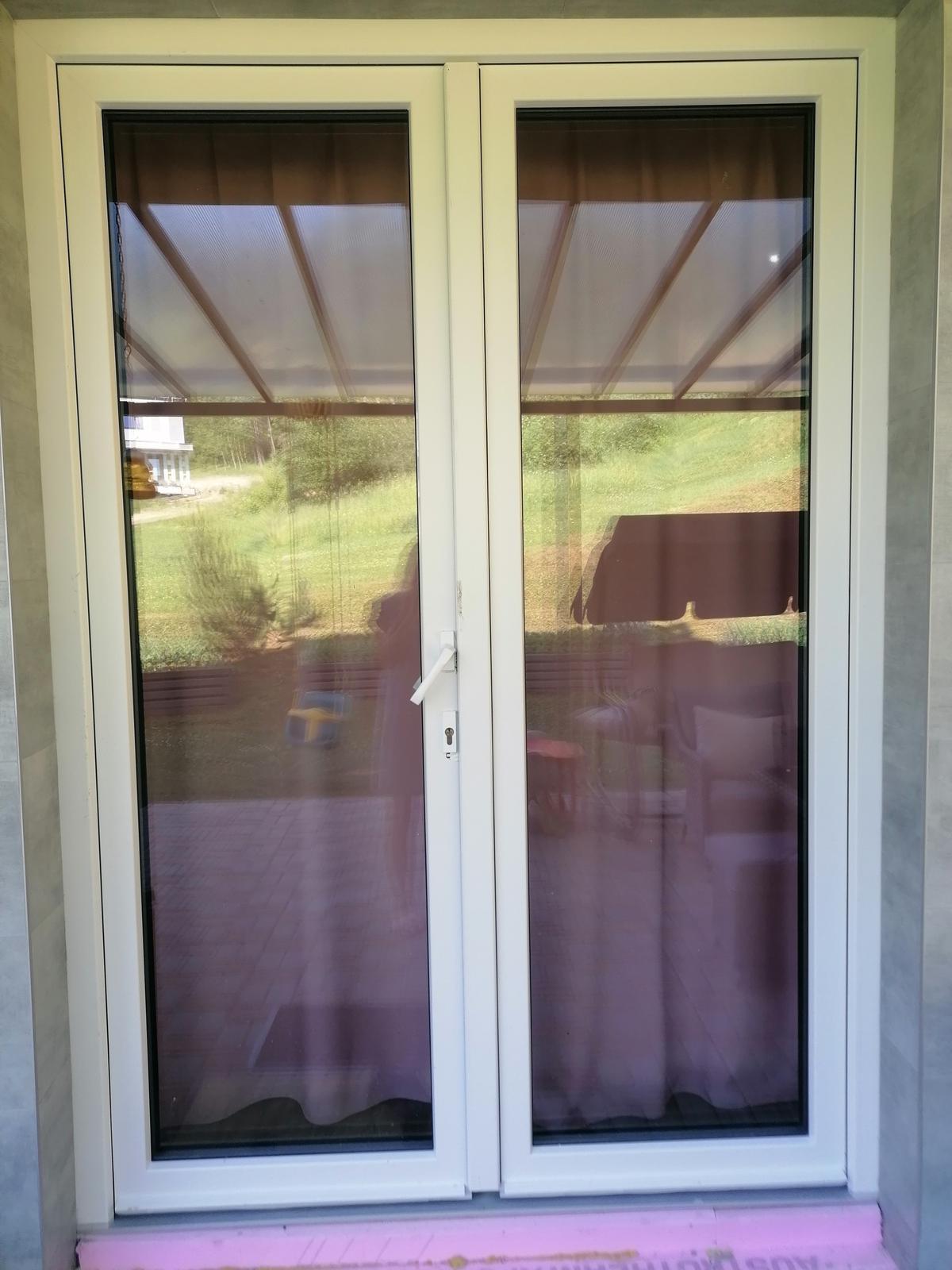 Dvojkrídlové balkónové dvere - Obrázok č. 1