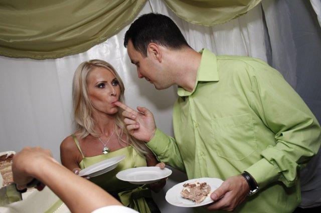 Katka{{_AND_}}Miško - ....aj torta bola výbornáááá :)