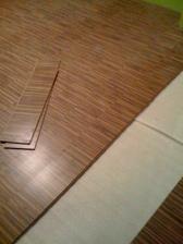 Podlaha se pokládá