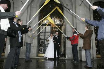 Brána pro novomanžele (kamarádi vodáci)