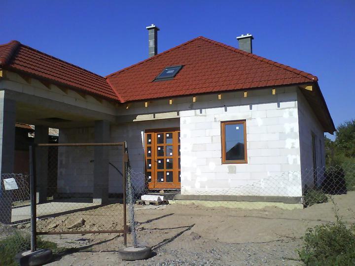 Dom(-ov) - A máme okná - august 2009