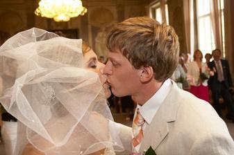 první polibek.............prý byl krátký!
