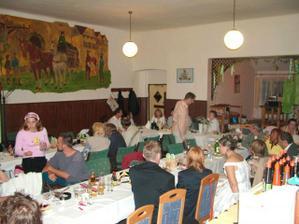 večerní oslava v Pitkovicích