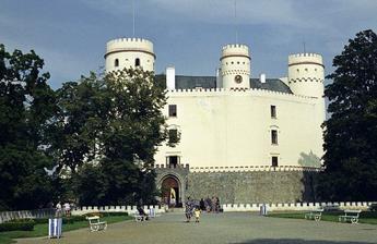 Průčelí zámku Orlík