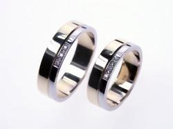 tak tie prstene sme si objednali, len drahý nebude mať kamienky...