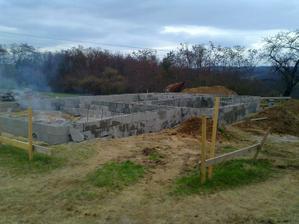 Práca dokončená.......  pálenie vriec z cementu :)