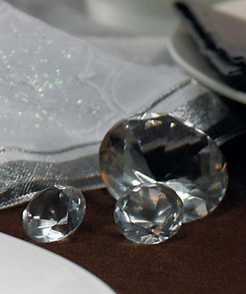 Nas specialny den - tieto kristaliky sme kupili na dekoraciu