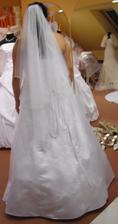 Šaty 6 - zezadu se závojem - ramínka křížem