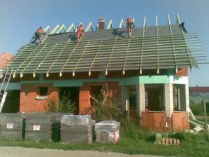 strecha sa pomaly rysuje