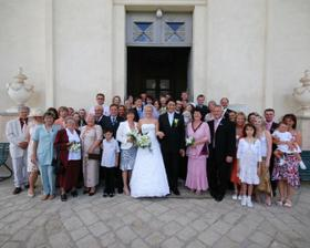 kompletní sestava svatebčanů