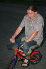 večer na párty museli všichni kluci kolo vyzkoušet
