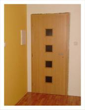 dvere do bytu