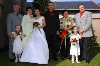 S rodiči a neteřemi