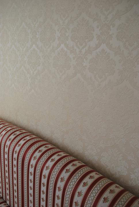 """Naša radosť a """"starosť"""" :) - Detail postel a tapeta"""