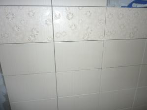 Kúpeľňa na 70 % obložená