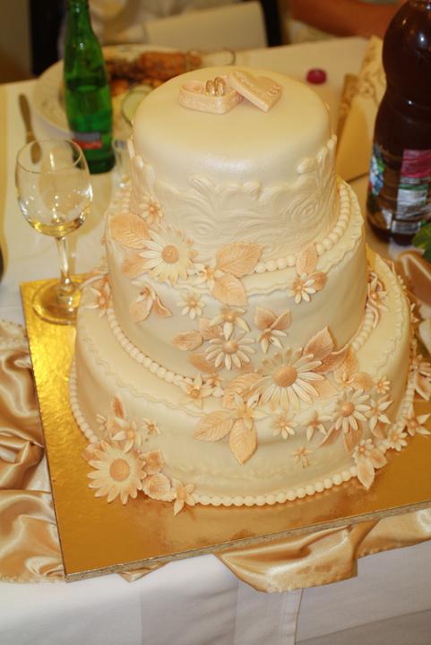 Svadobne torty, zakusky - Obrázok č. 67