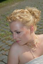 detail na make up a vlasky
