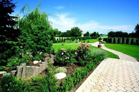 11.07.09 - Nase pripravy - dalsia cast zahrady