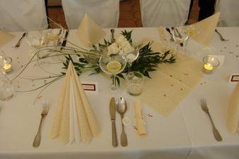 detail svatebního stolu