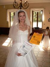 po obědě se všichni pustili do svatebních novin