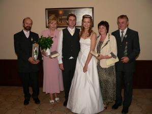 Foto s rodiči po poděkování. A že bylo za co děkovat.