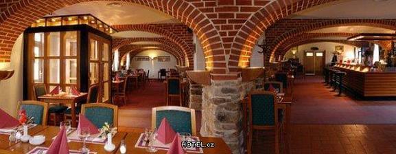 Restaurace hotel Čertousy