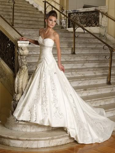 Niečo pre inšpiráciu pre budúce nevestičky... - svadobné šaty ako z rozprávky
