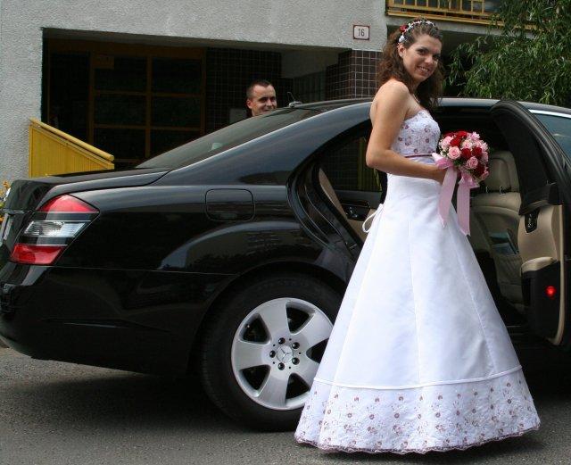 Mirka{{_AND_}}Palino Vandákovci - ide sa do kostola