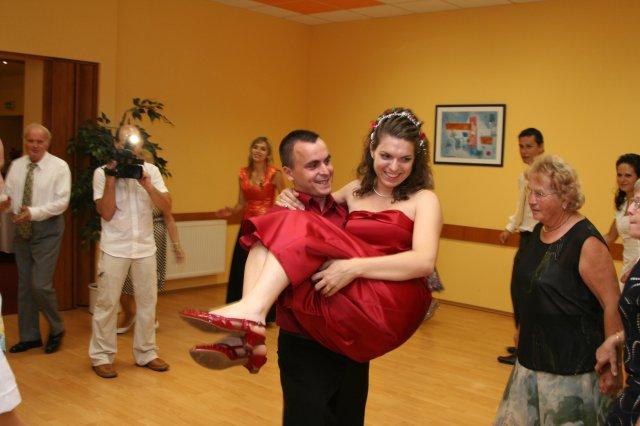 Mirka{{_AND_}}Palino Vandákovci - po redovom ženích uniesol nevestu :-)