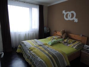 naše ložnice, ta je pořád stejná :-)