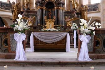 Výzdoba - zařizuje v ceně pronájmu kostel :)