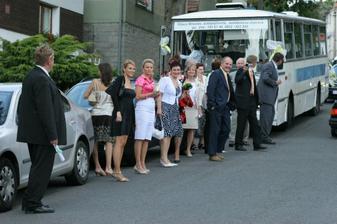 výsadek svatebčanů :-)