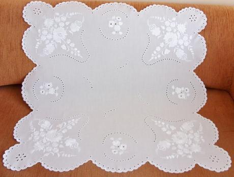 Obrus biely    nepoužívaný - Obrázok č. 1