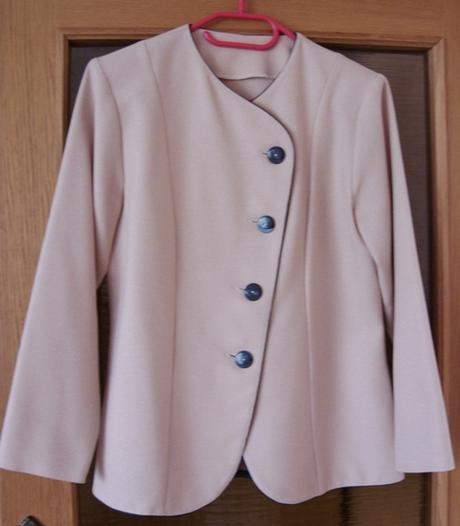 Sukňový kostým marhuľkový   - Obrázok č. 1