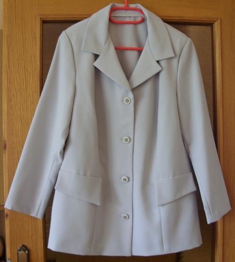Sukňový  kostým šedý    - Obrázok č. 1