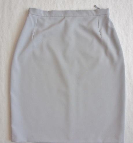 Sukňový  kostým šedý    - Obrázok č. 2