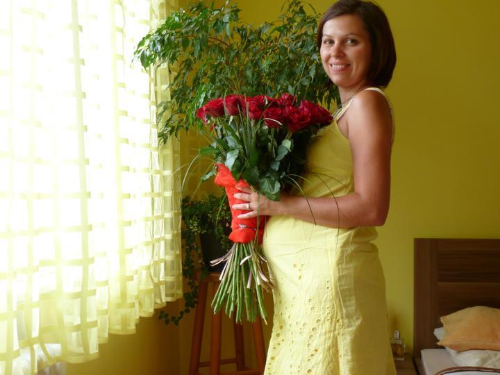 Mima - deň pred mojími 31. narodeninami s 31 ružami ma požiadal o ruku (dôvod už aj vidno :-))