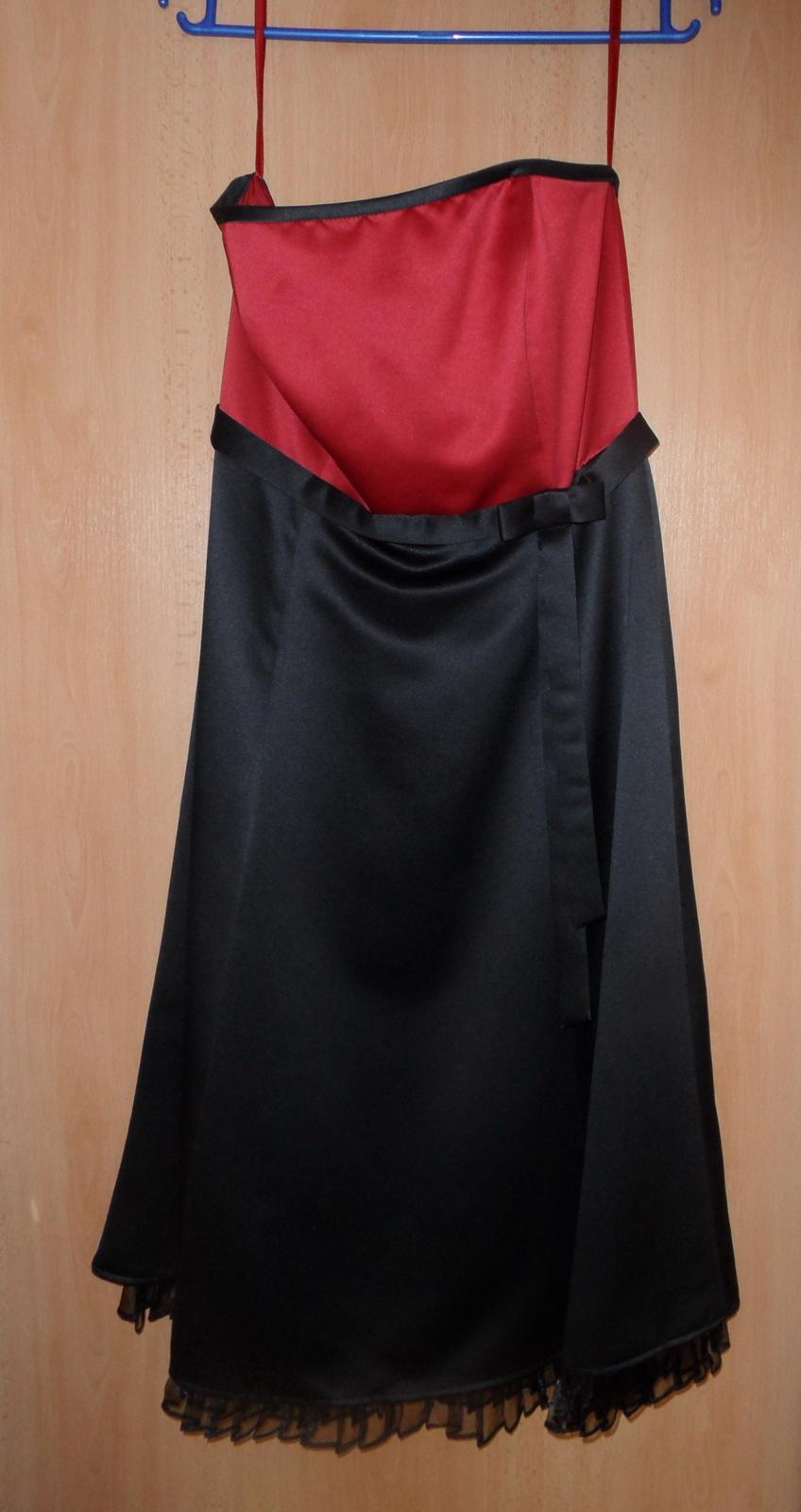 bezramienkové spoločenské šaty - Obrázok č. 1