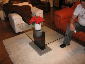boli sme na výstave nábytku..zamilovali sme si tento stolík..už je objednaný :)