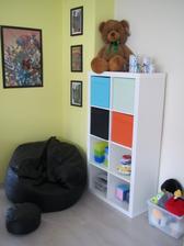 Koutek v dětském pokoji (ještě se na celém pokoji pracuje)