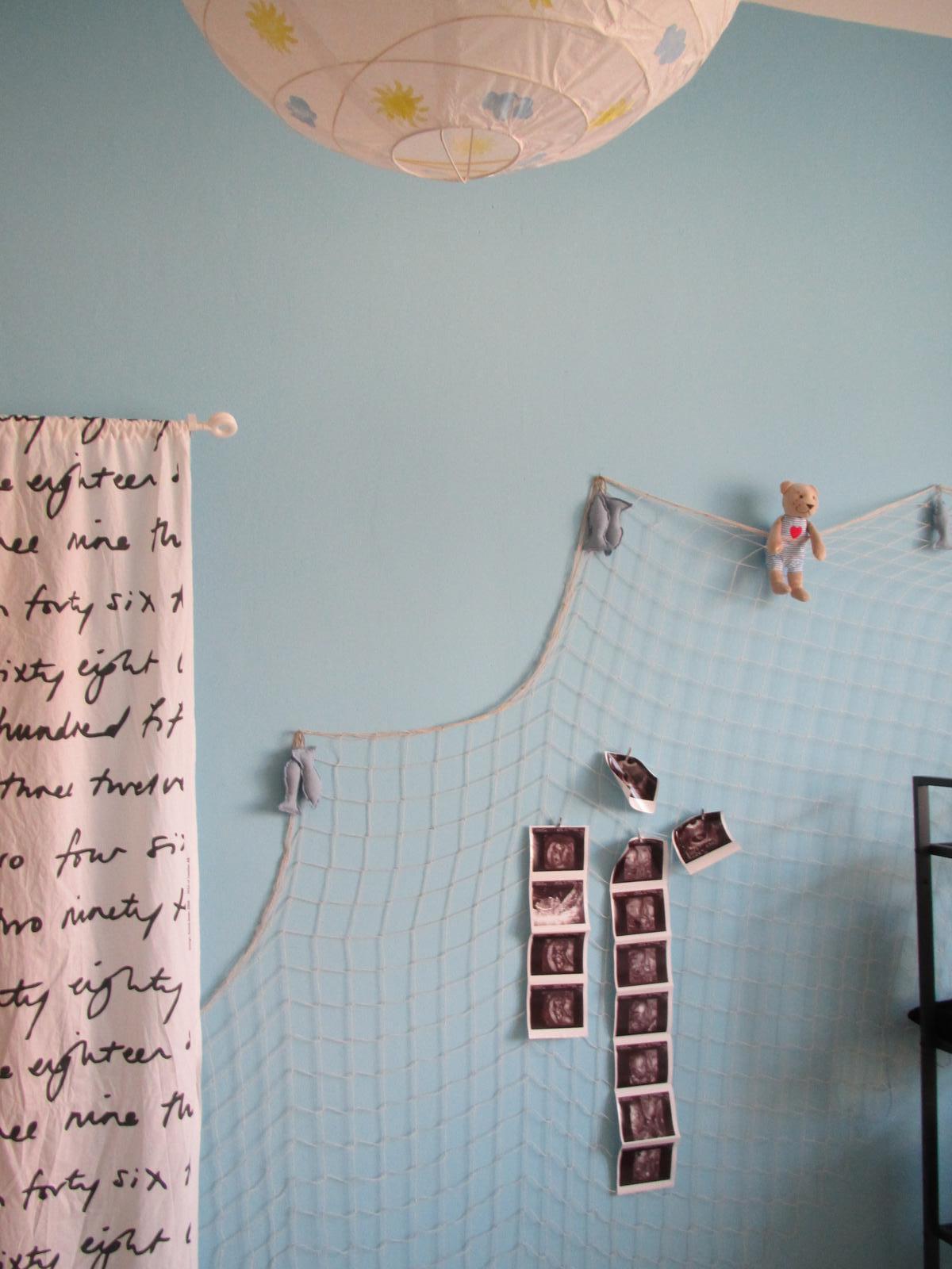 U nás... - V pokojíku-síť na obrázky...