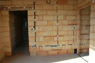ložnice - stěna s tv