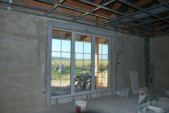 obývák, 1 okno fix, další dvě otvírací