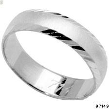 takové podobné prstýnky máme