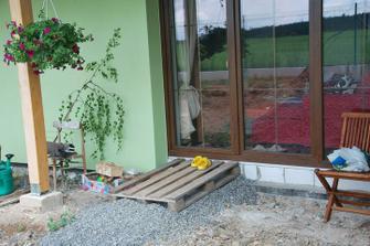 """""""vchod"""" do obýváku z terasy"""