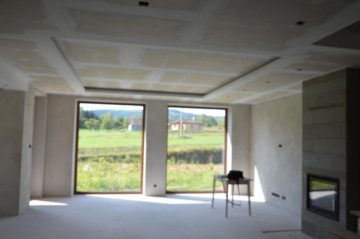 Obývačka sadrokaróny príprava na svetlá