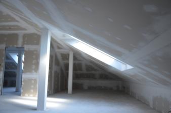 Podkrovie otorená časť zateplenie strechy + sádrokartón