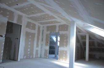 Podkrovie ovorená časť zateplenie strechy + sádrokartón + príprava na svetlá